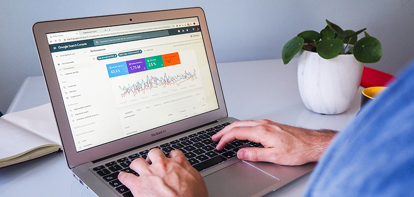 Hiring right SEO expert is challenging